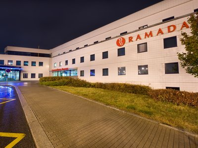 Ramada Airport Hotel Prague**** - the main entrance