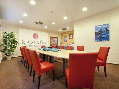 Ramada Airport Hotel Prague**** - Cessna Meeting Room