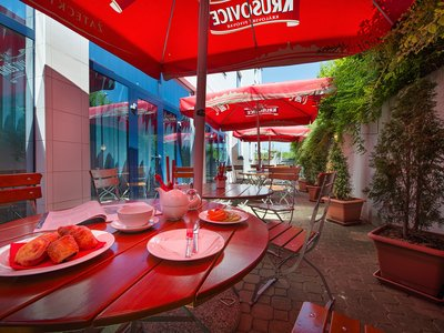 Ramada Airport Hotel Prague**** - hotel restaurant, terrace