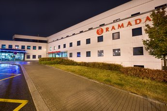 Ramada Airport Hotel Prague**** - здание отеля